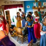 Яркая и интересная свадьба в стиле мультфильмов Уолта Диснея (21 фото)